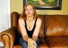 Телка попросила своего любовника оттрахать ее в две дырки