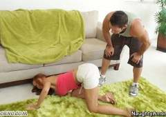 Телочка трахается со своим мужем и другом